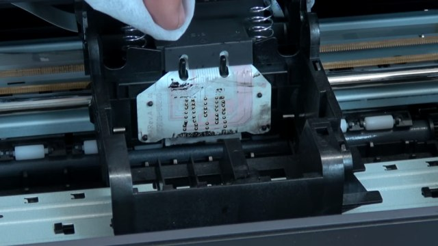 Hewlett-Packard Drucker Fehler Tintensystem - 0xc19a - aus und wieder einschalten - OfficeJet DeskJet Photosmart Envy - Kontakte im Drucker reinigen