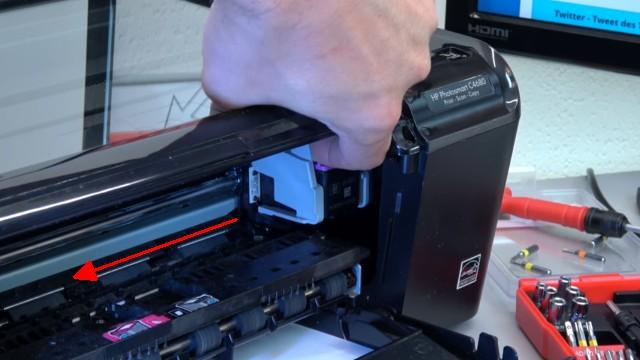HP Drucker Patronenwagen blockiert - Stau am Schlitten beseitigen - mit leichter Kraft Patronenwagen lösen