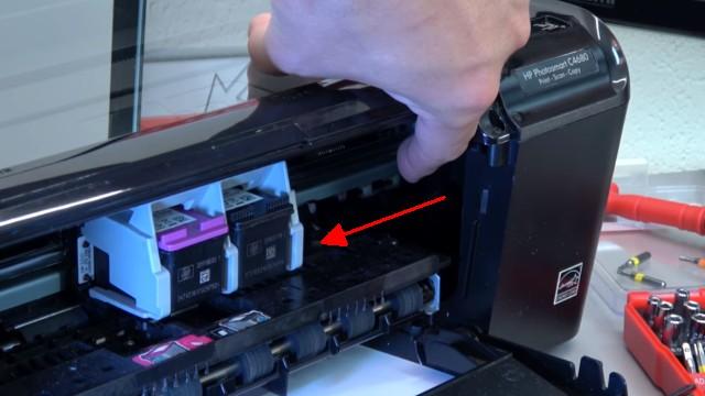 HP Drucker Patronenwagen blockiert - Stau am Schlitten beseitigen - Patronenwagen nach links schieben