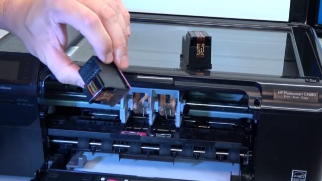 HP Drucker Patronenwagen blockiert - Stau am Schlitten beseitigen - Patronen und ggf. Druckkopf ausbauen und prüfen