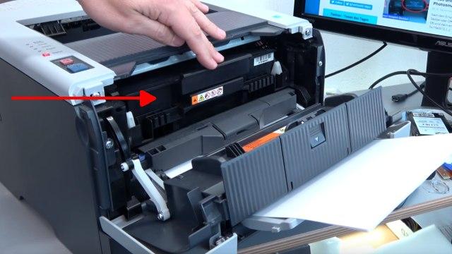 Brother Laserdrucker druckt Schatten Streifen - Ausdruck erscheint doppelt Grauschleier - Drucker öffnen