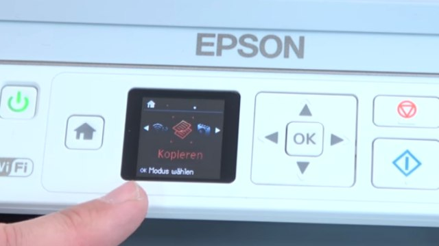 Epson Drucker druckt extrem langsam und verbraucht zu viel Tinte - Druckerdisplay