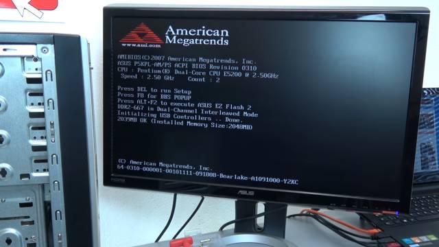 Bildschirm - Grafikkarte zeigt rote Streifen - senkrecht waagrecht - neue PCIe-Grafikkarte funktioniert einwandfrei