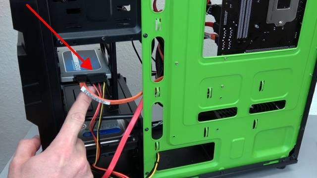 Neuer PC zeigt kein Bild - startet bootet nicht - erkennt USB SSD HDD nicht - selbst gebaut - SATA-Stromstecker hat sich gelöst