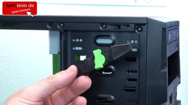 PC zusammenbauen - Schritt für Schritt - eigenen Rechner bauen - Anleitung - DVD einbauen - Schrauben gegen Schnellverschluss