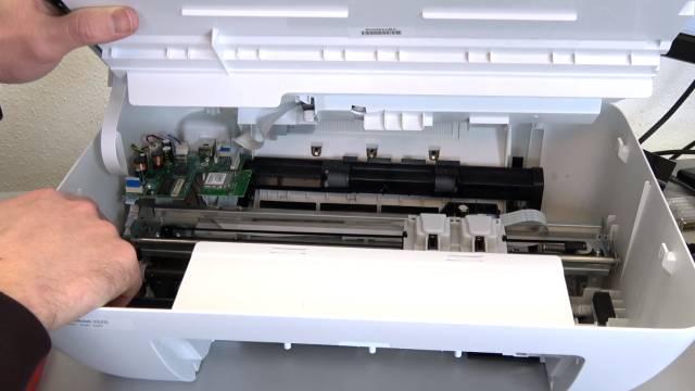 HP Drucker nagelneu und schon defekt - alle LEDs blinken - Tipps zur Fehlersuche - offener Drucker