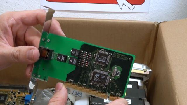 Zuschauerpakete mit Hardware auspacken - 2x DOM - Mainboards - 6x CPU - HDDs - Grafikkarten - AVM FritzCard ISDN mit PCI