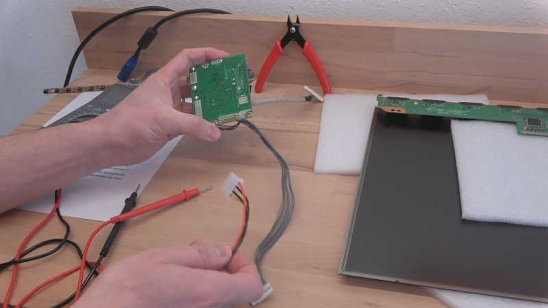 Transparentes TFT-Panel als PC-Gehäuse Mod